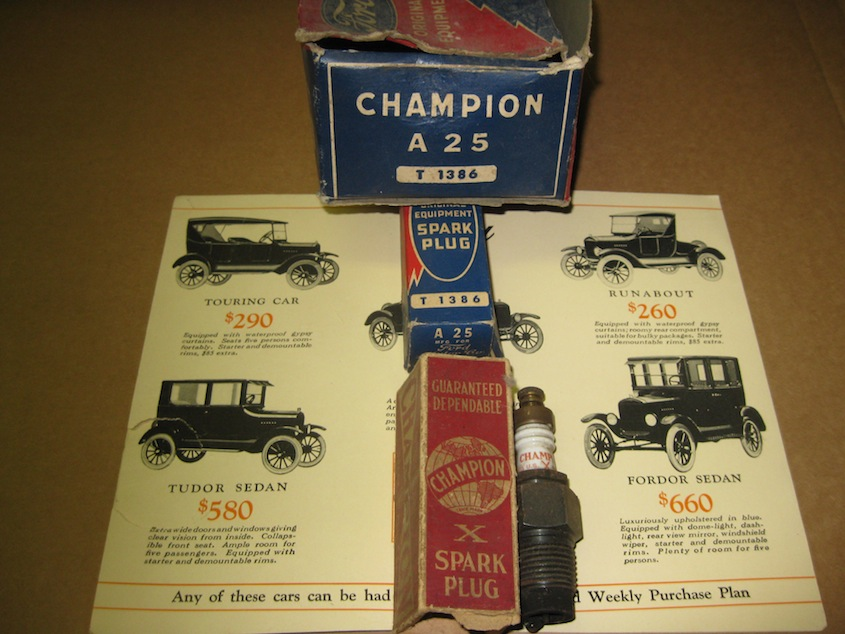 VINTAGE MODEL T FORD CHAMPION A 25 SPARK PLUG BOX ONLY