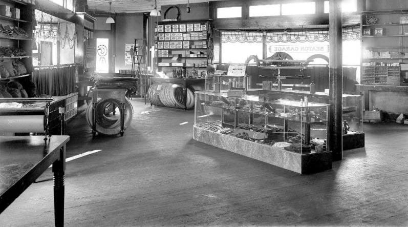 model t ford forum old photo auto parts store interior 1920 39 s. Black Bedroom Furniture Sets. Home Design Ideas