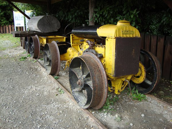 fordson roller with 210769 on 1242117827 likewise 1186363885 likewise 1154608785 also Great North Festival Of Transport 2013 additionally The Tractor Factor A Look At Rare Vintage Farm Tractors.