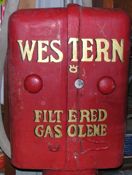 Model T Ford Forum: OT old gas pumps
