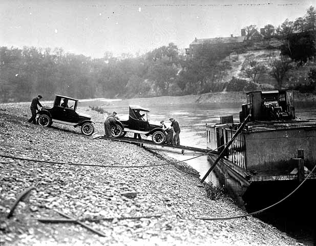 Loading Ts on a barge 1926 St. Paul