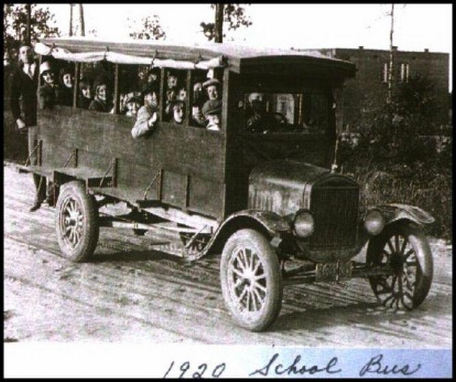 Model T Ford Forum: Old Photo - 1920's School Bus Full Of Kids