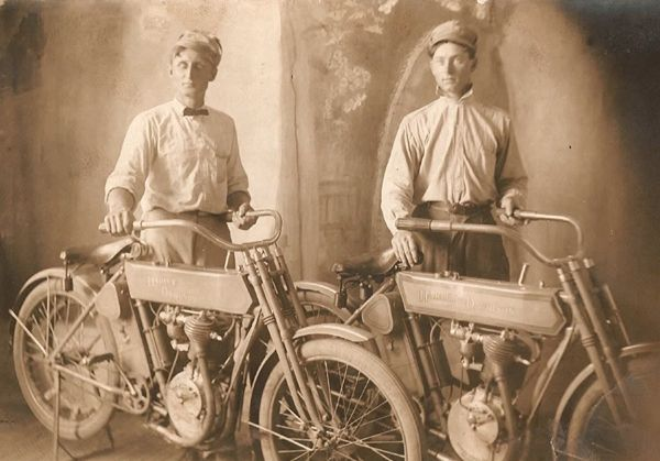 Used Harley Davidson Motorcycles >> Model T Ford Forum: Old Photo - Bunch Of Model T Era Motorcycles And Riders