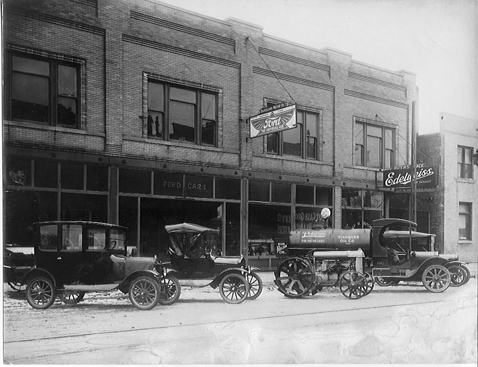 Model T Ford Forum: Old Photo - Dave Mumper Ford Dealership