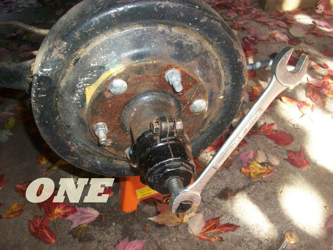 picture one intial rear hub with studs