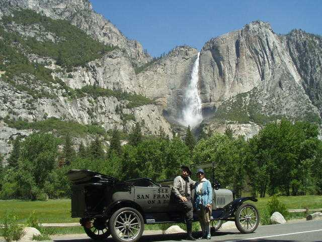 1921 T sightseeing bus