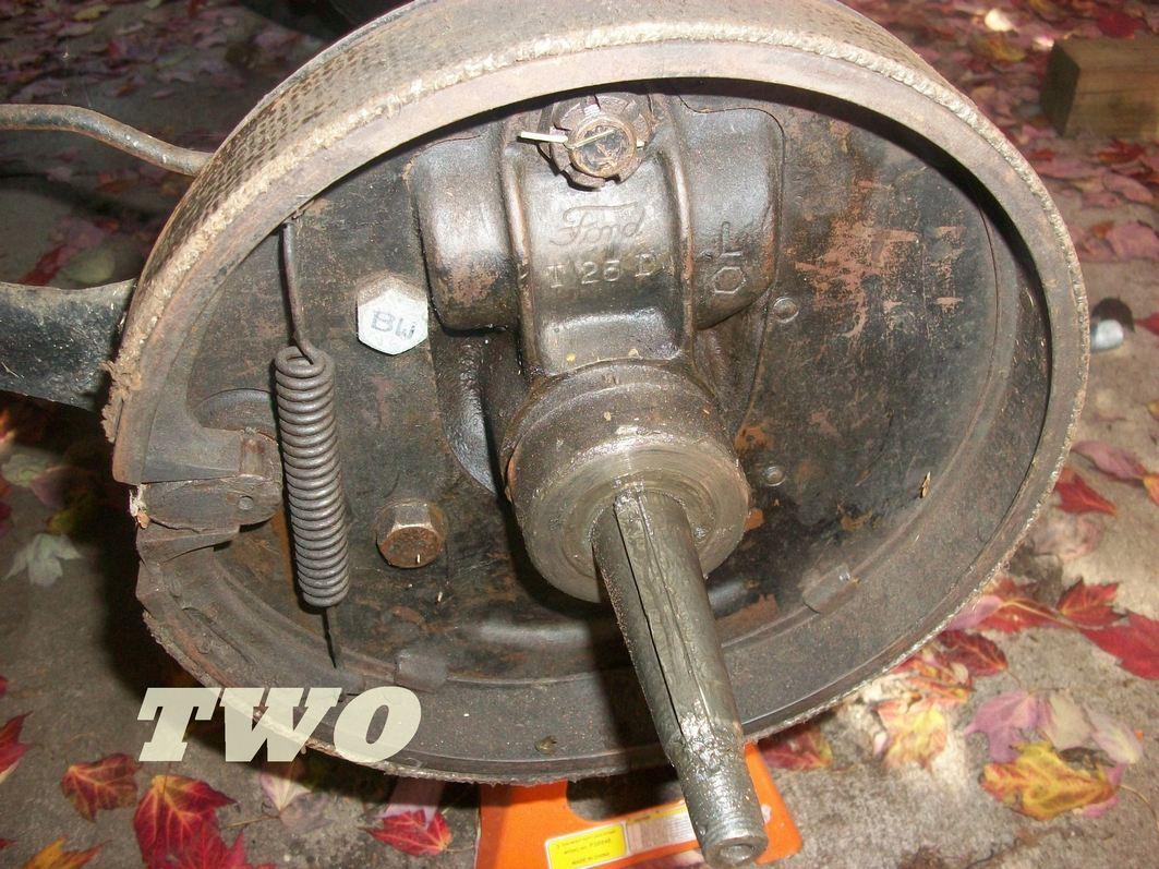 showing rear brake lining position