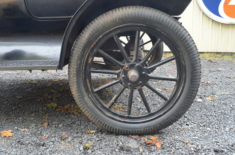 1 left wheel rear outside
