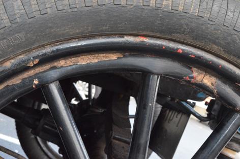 1b left wheel detail