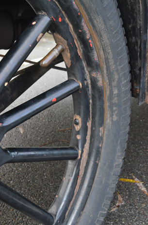 2 right wheel detail