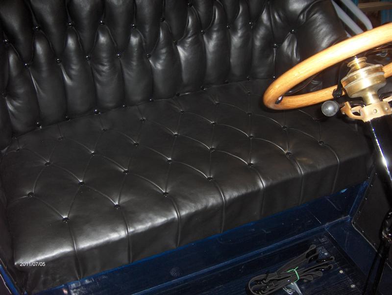 Torpedo seat