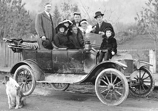 Ford Model T Touring Car With Luggage
