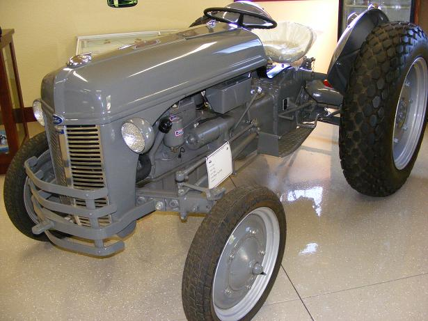 Model T Ford Forum Ot 1947 8n Tractor Colors