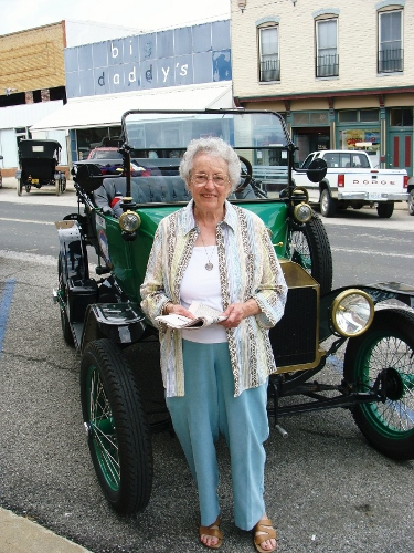 Daughter of the 1909 ferryman who took the Ford race cars across the Missouri River