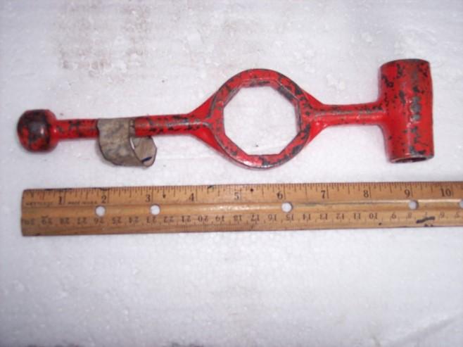 hub cap wrench