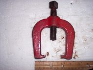 Crankshaft timing gear puller