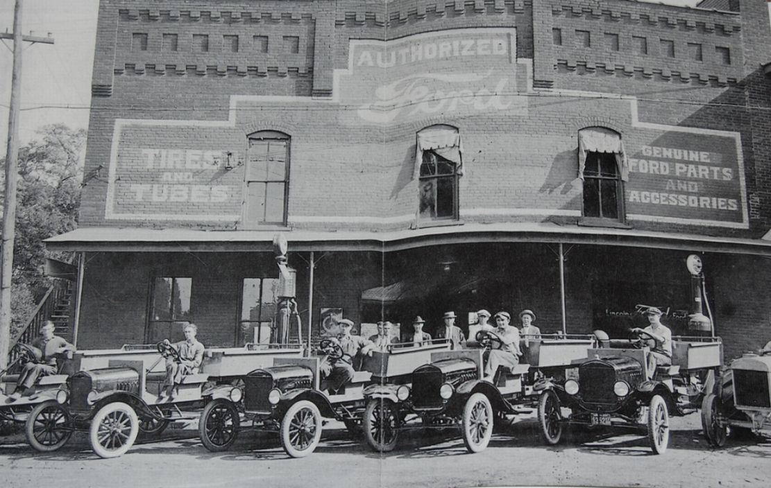 model t ford forum old photo the wilson ford dealership in marion kentucky in 1915. Black Bedroom Furniture Sets. Home Design Ideas