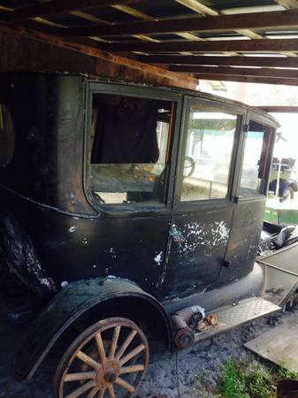 Model T Ford Forum Original 1915 Center Door Sedan For