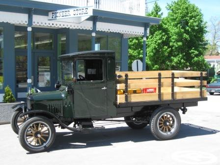 '26 Ford Closed Cab TT Stakebed