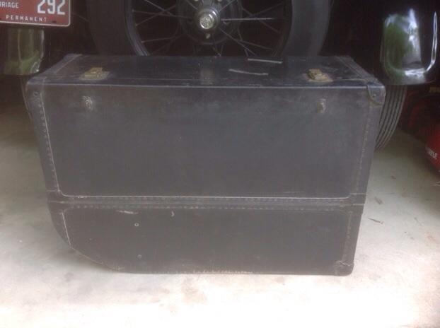 Running board suitcase