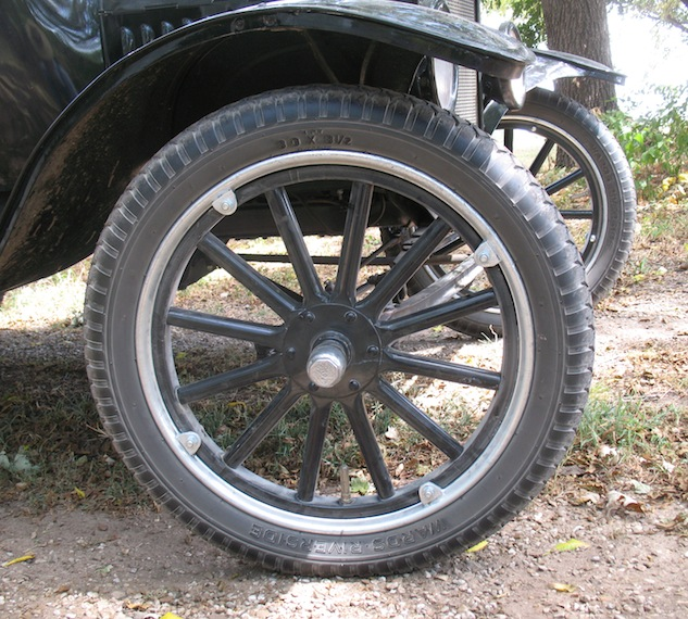 how to get a tight car tire on rim