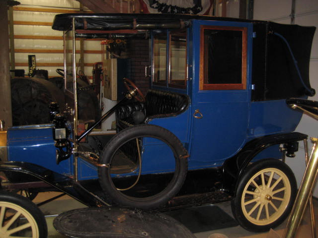 13913 town car 2