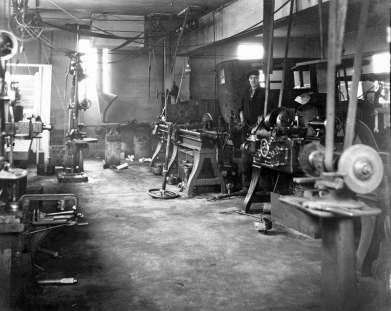 Model T Ford Forum: Old Photo - Model T Era Automobile Machine Shop