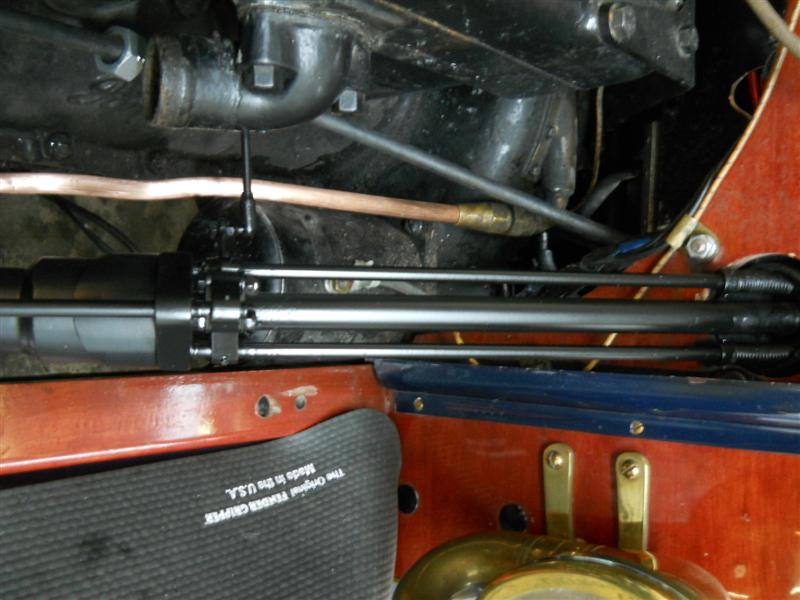 Steering Box '37 Ford into Ford T-007