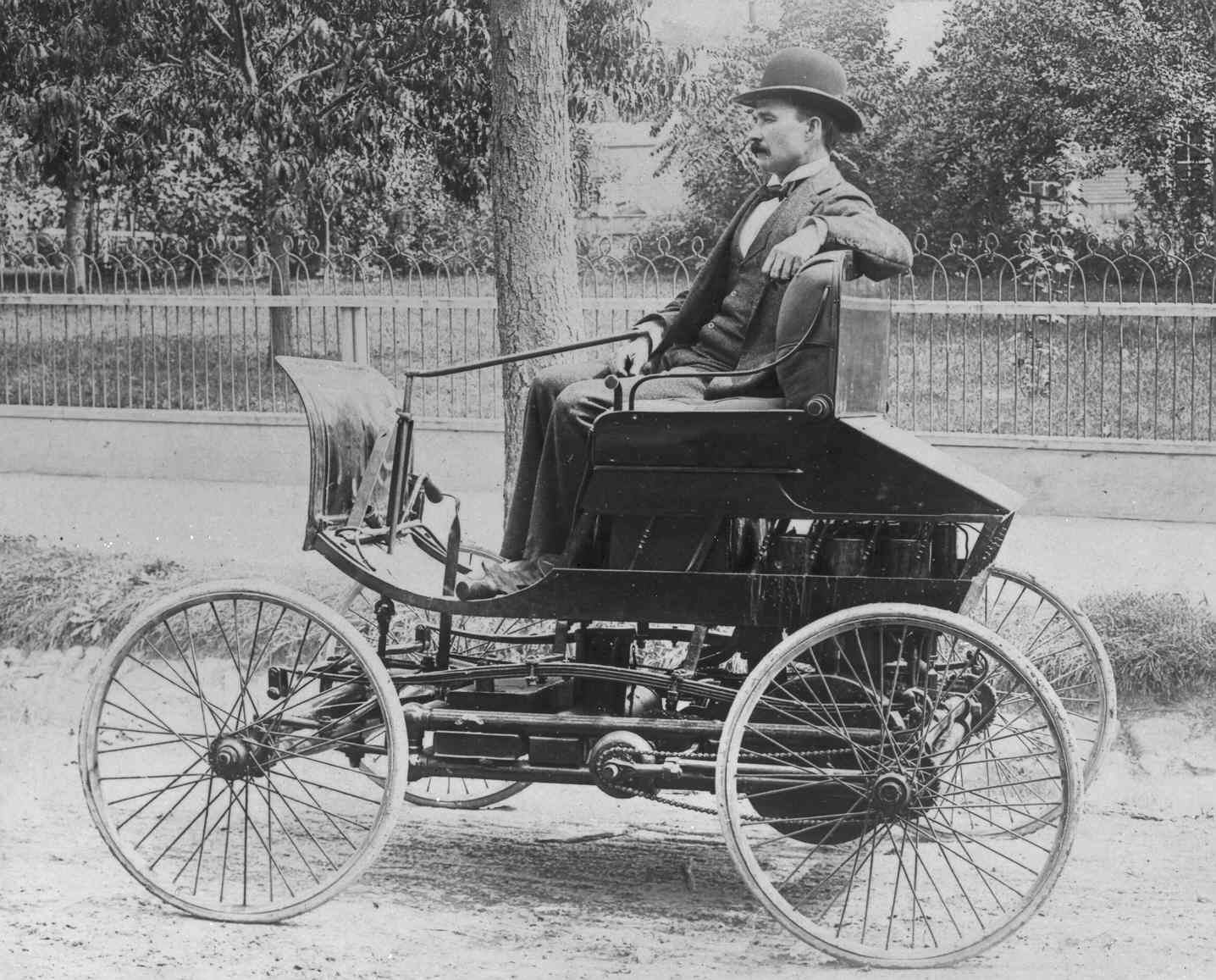 Model T Ford Forum: 1894 -Car photo-any ideas as to what it is ?