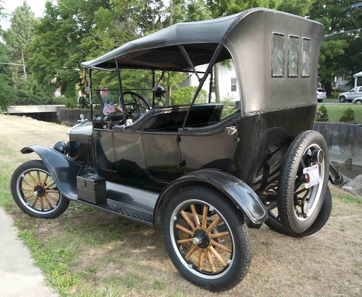 1924 Model T with 26/27 tire carrier