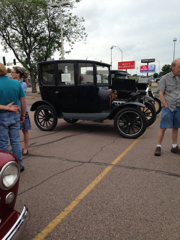 Sioux Falls Ford Car Show