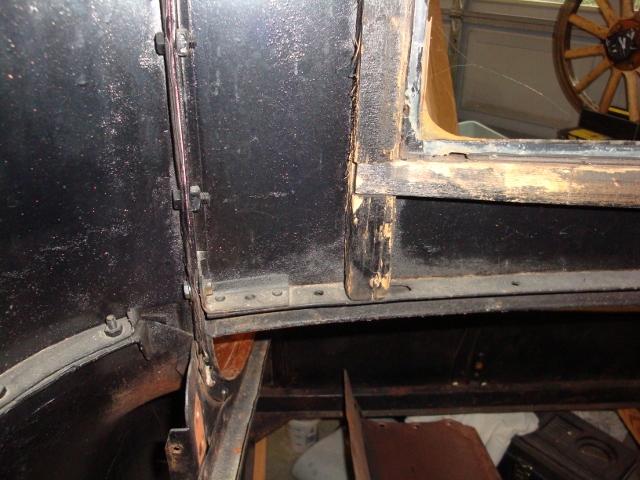 27 rear window close up