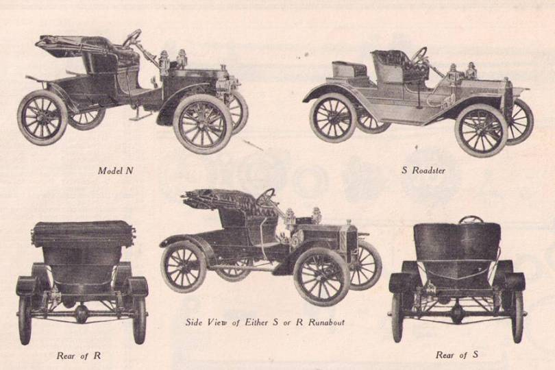 That is the style of running boards and fenders that the car has. Below is a page from the 1908 Ford NRS and S Roadster price list of parts & Model T Ford Forum: NRS parade car-Photo markmcfarlin.com