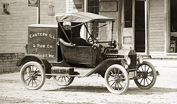 1915 Model T with Eastern Box