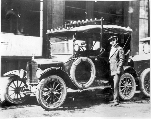 First Detroit Police Radio Car 1921