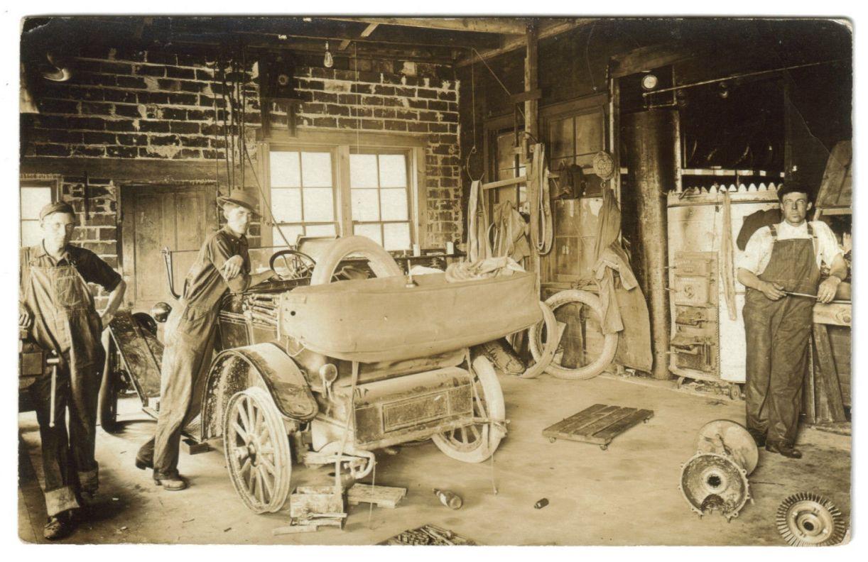 Model T Ford Forum: Old Photo - Model T Era - Auto Repair Shop