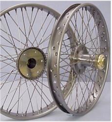 McLaren wire wheel picture