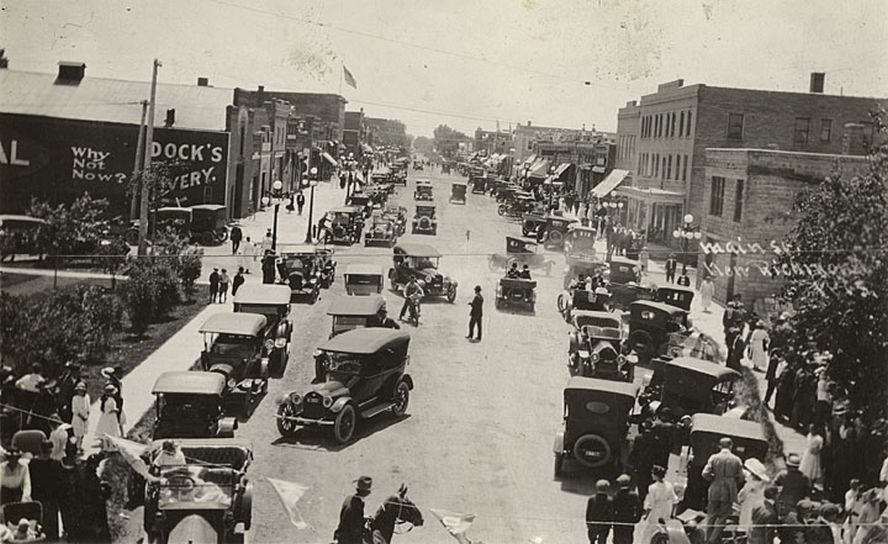 Model T Ford Forum Old Photo Model T Era Busy Street