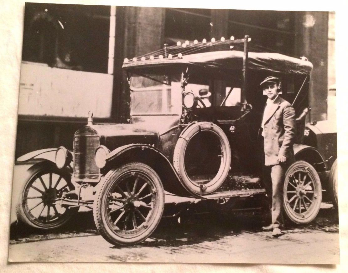 Model T Ford Forum: Old Photo - Radio Antenna Outfitted Model T ??