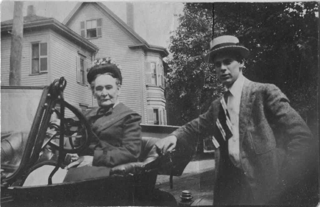 Granny in Model T