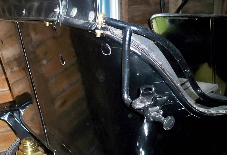 Model T Ford Forum: 1909-10 buggy rail saddle arms