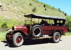 Rich Eagle's 1923 Yellowstone Park Bus